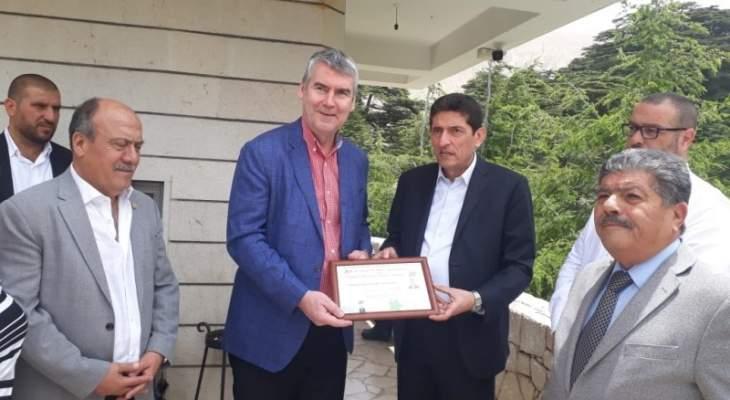رئيس حكومة مقاطعة نوفاسكوشيا الكندية ووزيرتان بحكومته زاروا متحف جبران وغابة الأرز