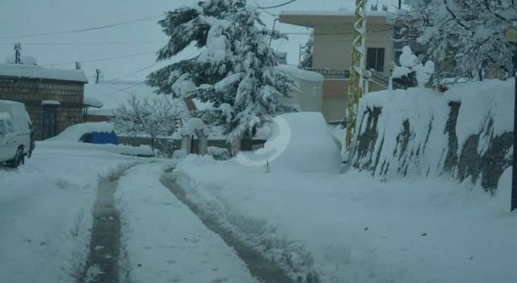 طريقا ضهر البيدر ومعاصر الشوف مقطوعتان بسبب تراكم الثلوج