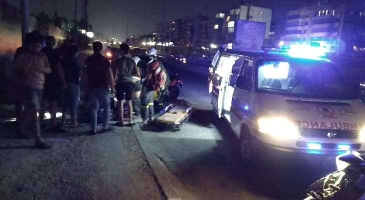 الدفاع المدني: جريح جراء حادث سير على أوتوستراد الأسد