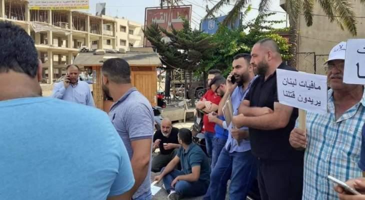 قطع اوتستراد المنية احتجاجا على انشاء مطمر في المنطقة
