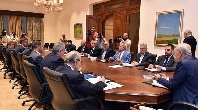 نواب كتلة التنمية والتحرير سلموا ميقاتي إقتراح الكتلة لقانون الانتخاب الجديد