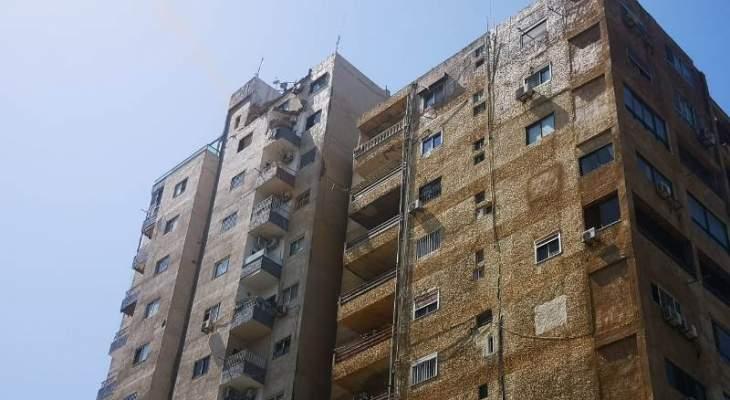إنهيار جزء من سقف مبنى قرب بناية الدفاع المدني سابقاً في صور