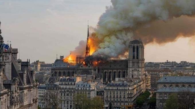 لوفيغارو: لا يمكن فصل كاتدرائية نوتردام عن تاريخ فرنسا