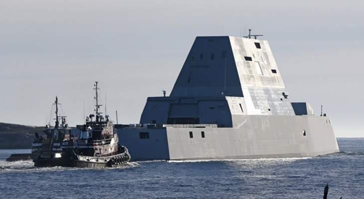 البحرية الأميركية: مصادرة شحنة أسلحة غير قانونية على زورق شراعي مجهول ببحر العرب