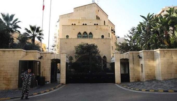 الجمهورية: حرب البيانات بين عين التينة وبعبدا استفزت السفارات في لبنان