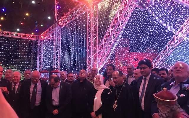 المطران حداد في حفل اضاءة  زينة الميلاد: المية ومية المسالمة تطلق عيد السلام