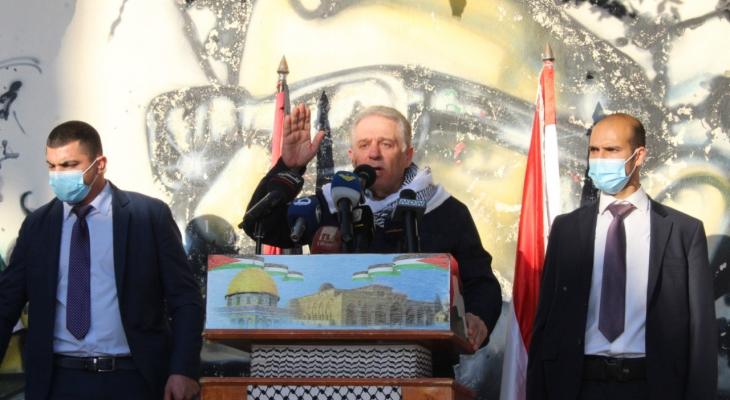 سفير فلسطين بلبنان: العدو يعمل على بث الفرقة بيننا من خلال ما ينشره عبر مواقع التواصل الاجتماعي