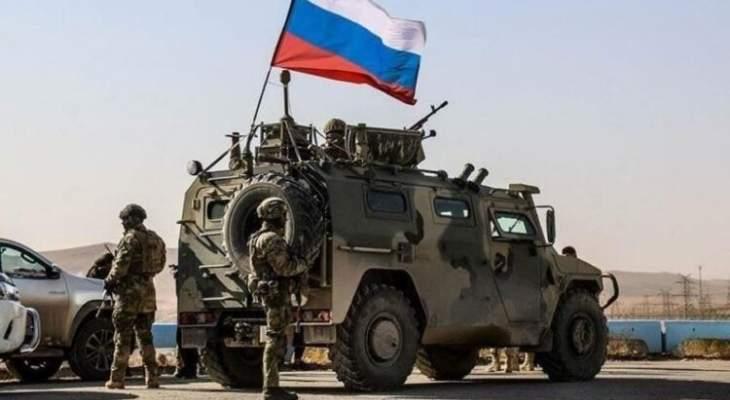 المرصد السوري: انسحاب عشرات الآليات العسكرية الروسية من شرق الفرات إلى حلب