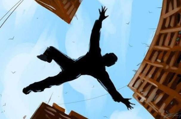 النشرة: رجل قفز من شرفة منزلة بالطابق الثالث في صيدا