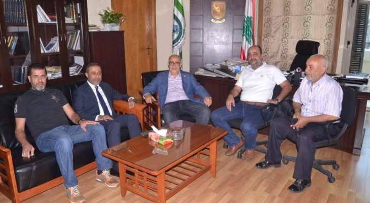 يمق بحث مع زواره في شؤون انمائية طرابلسية