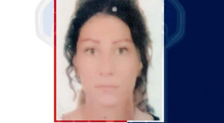 قوى الأمن عممت صورة مواطنة سرقت سيارة بطريقة احتيالية من محلة بشارة الخوري