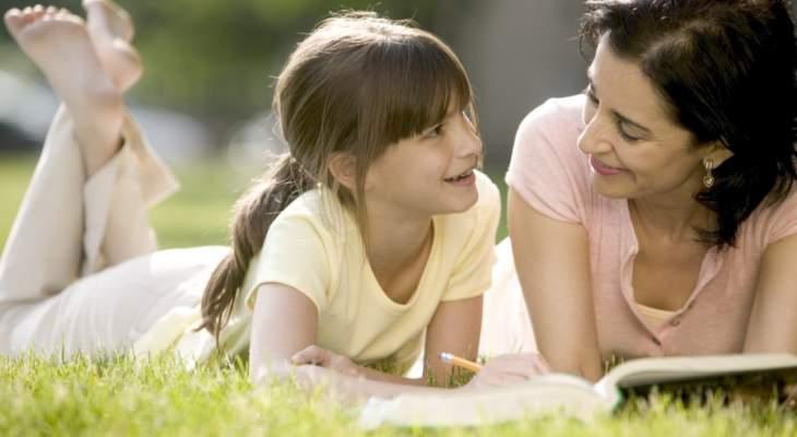 روّاد مواقع التواصل يعايدون امهاتهم في عيدهن: هي خليط من القيم الجميلة