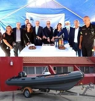 """وحدة الإنقاذ البحري بالدفاع المدني إستلمت قارب إنقاذ مطاطي من """"جمعية أندية الليونز"""""""