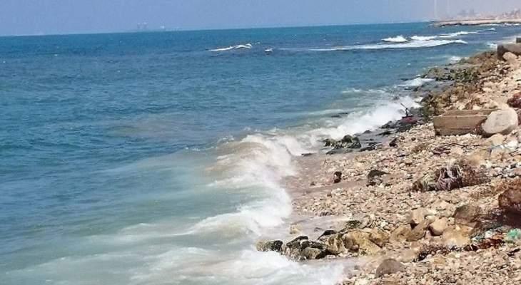 المركز اللبناني للغوص: البحر غير ملوث باستثناء شاطئ محمية صور المتضرر من التسرب النفطي