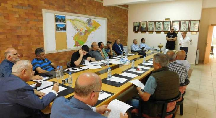رئيس بلدية تنورين التقى مدير معهد الدراسات البيئية في البلمند لعرض نتائج مشاريع التعاون