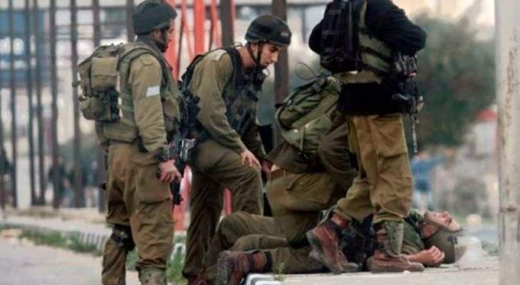 هآرتس: تحقيق أولي خلص إلى أن العسكريين الإسرائيليين الجريحين بالضفة أصيبا بنيران صديقة
