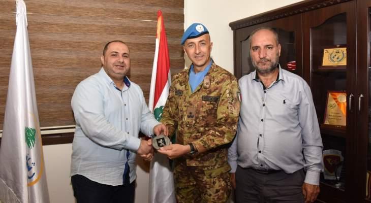 قائد القطاع الغربي في اليونيفيل زار مقر بلدية رشاف