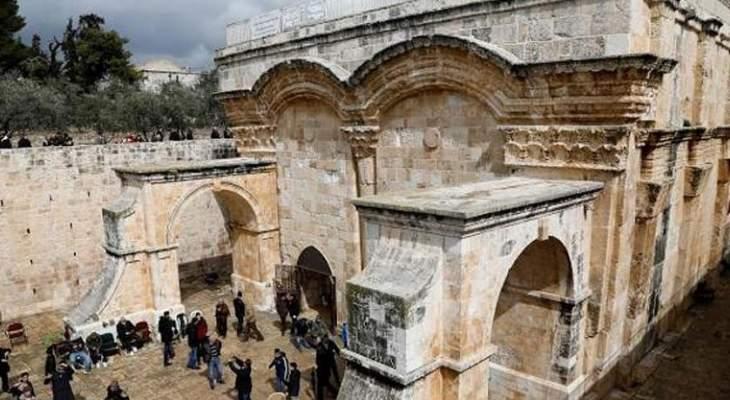 صمود المقدسيين واتصالات الرئيس عباس تُفشل مخطّطاً إسرائيلياً يستهدف الأقصى بتراجع الاحتلال عن الإغلاق