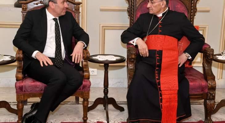 الراعي يلتقي السفير البريطاني في لبنان كريس رامبلنغ
