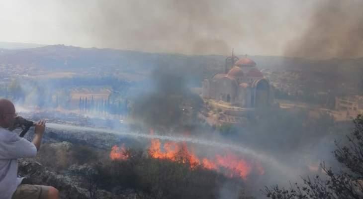 إخماد الحريق في الجبل الممتد بين كوسبا ورشدبين وعين عكرين