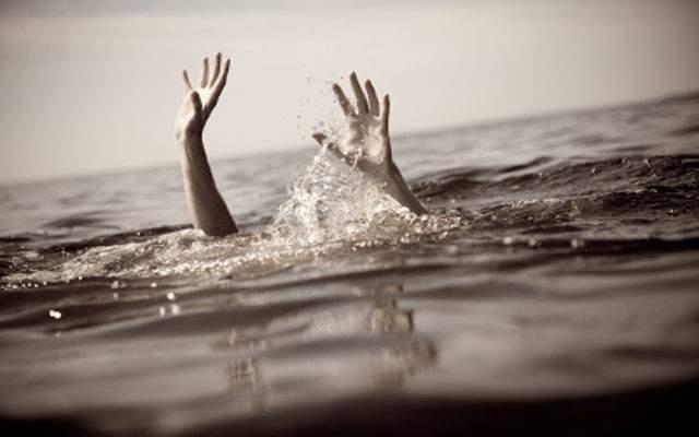 الدفاع المدني انتشل جثة فتى غريق مقابل شاطئ الدامور