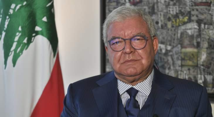 المشنوق زار بخاري: لن نسمح بتكرار الغيمة السوداء واللبنانيون بالسعودية معززون مكرمون