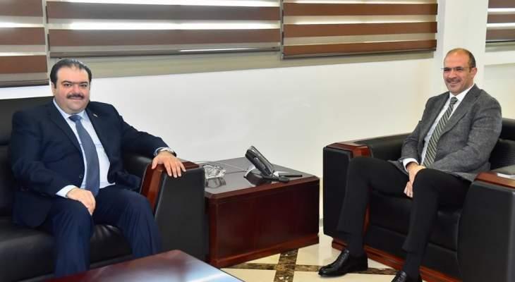 حسن استقبل السفير الهندي والقائم بالأعمال العراقي
