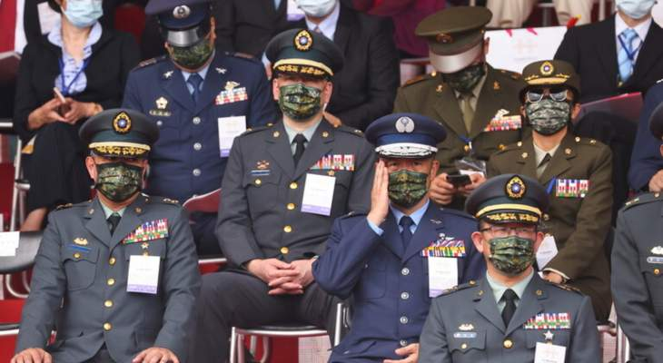 وزير الدفاع التايواني: لن نبدأ حرباً على الإطلاق مع الصين