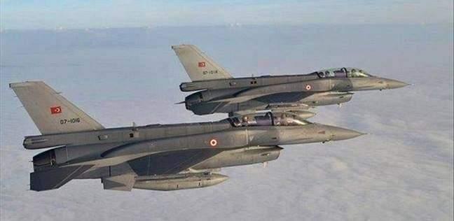 الميادين: الطيران التركي يقصف مواقع يعتقد أنها للعمال الكردستاني شمال العراق