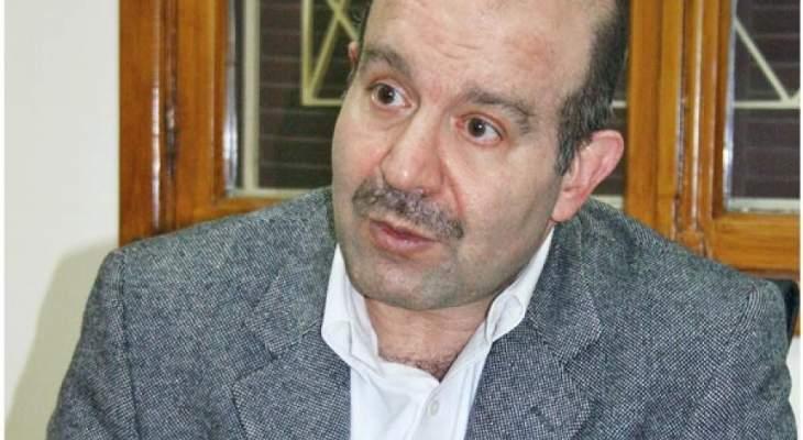 علوش: قد يكون هناك اسم لرئاسة الحكومة غير الحريري
