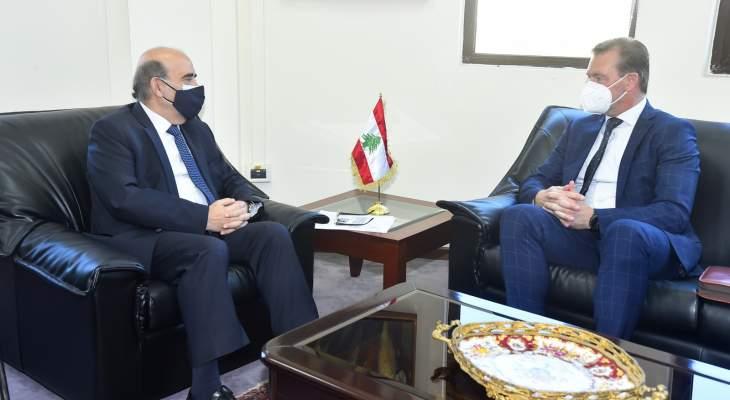 وهبة بحث مع فارغا بالتحضيرات لزيارة نائبة وزير خارجية سلوفاكيا لتقديم مساعدات لمناطق لبنانية