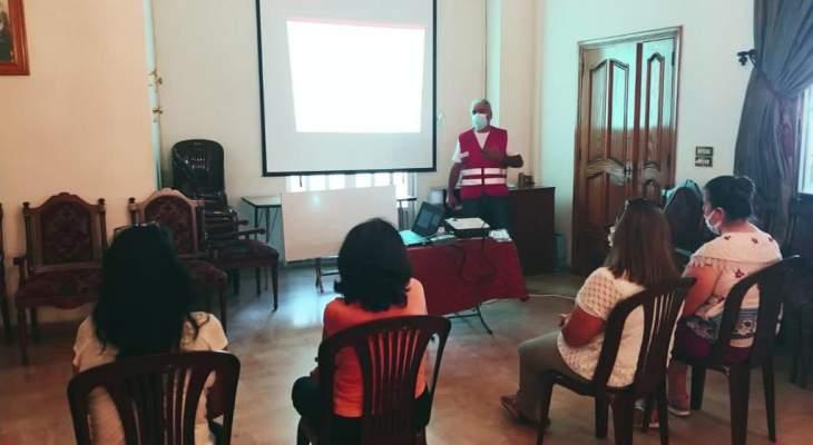 """الصليب الأحمر أقام محاضرات توعية حول أهمية لقاحات """"كورونا"""" في زحلة"""