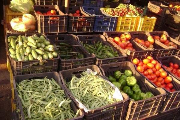 إحتكار التجار للسلع الغذائية يرفع الأسعار في شهر رمضان