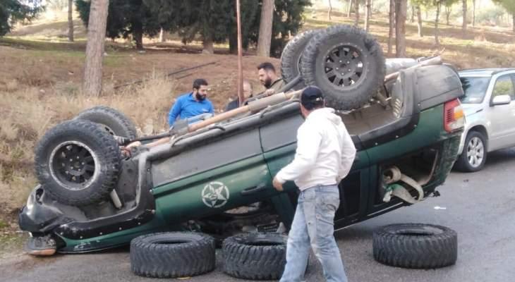 النشرة: انقلاب سيارة في زحلة واقتصرت الاضرار على الماديات