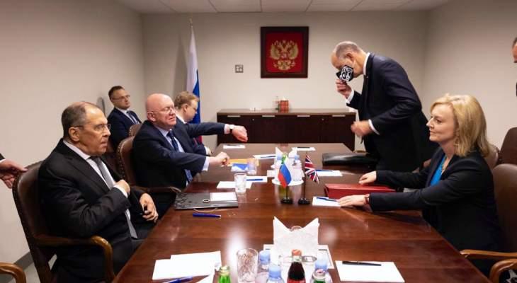 لافروف بحث مع تراس بالعلاقات الثنائية: على الجانب البريطاني التوقف عن ممارساته الاستفزازية عند الحدود الروسية