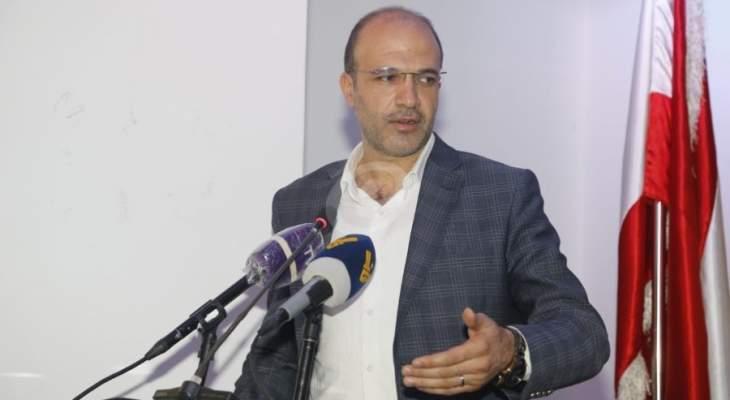 وزير الصحة: اللجنة العلمية ستوصي باقفال عام لمدة 15 يوماً في حال كان التقييم سلبياً