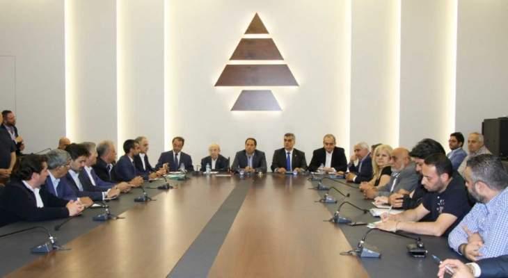 الكتائب: لحكومة من المستقلّين الخالصين تنتشل لبنان وتفتح الباب أمام المساعدات