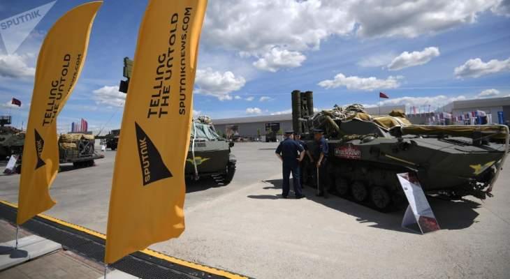 سبوتنيك: عراقيل أميركية بأيادٍ محلية تغيّب لبنان عن أهم معرض عسكري بالعالم