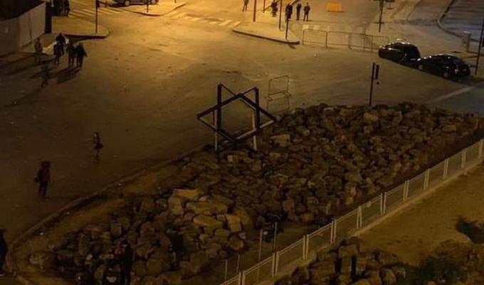 otv: محافظ بيروت اعطى توجيهاته بإزالة اللوحة الاعلانية على شكل نجمة داوود من وسط المدينة