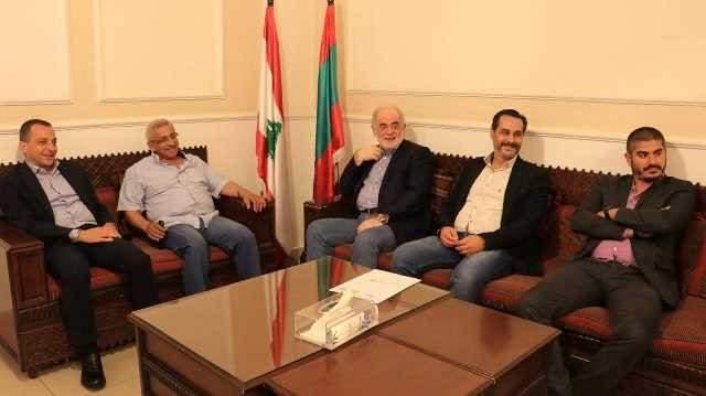 أسامة سعد يلتقي أمل أبو زيد على رأس وفد جزيني