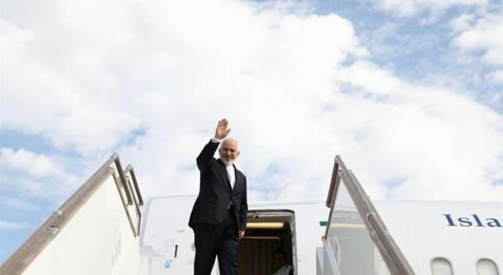 ظريف غادر طهران متوجها إلى هلسنكي على رأس وفد سياسي