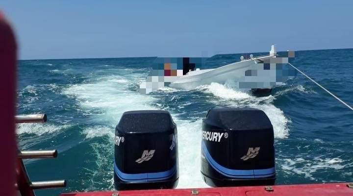 الدفاع المدني: سحب زورق للصيد على متنه شخصين إلى ميناء صور بعد تعطل محركه