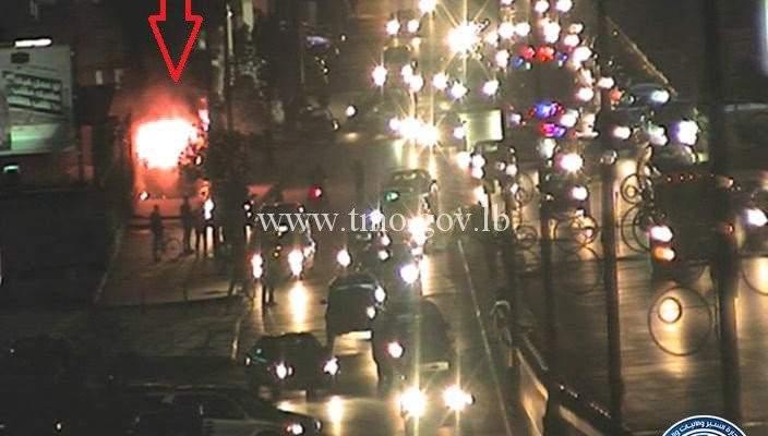 """""""النشرة"""" حصلت على فيديو للحافلة التي احترقت على اوتوستراد الدورة"""