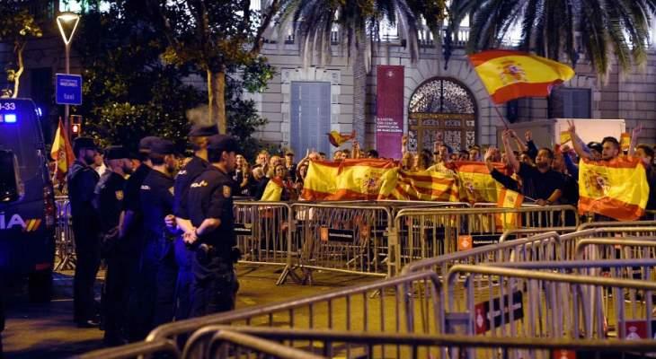 توقيف عشرات المحتجين في تظاهرات في إسبانيا على خلفية سجن مغني راب