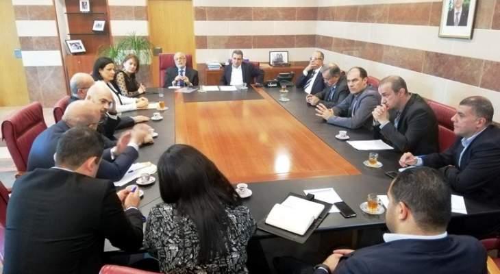 تشكيل لجنة بين وزارتي التربية والصناعة والصناعيين لملاءمة التعليم المهني لفرص العمل
