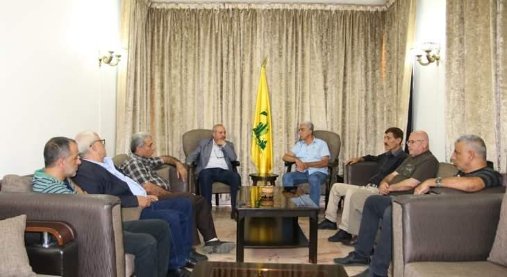 وفد من حركة فتح في بيروت يلتقي حزب الله ويبحث معه أوضاع المخيمات