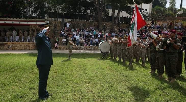 حفل تقديم مجندين ممددة خدماتهم للعلم
