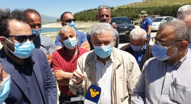 محمد نصرالله: على كل الوزارات المعنية تحمل مسؤولياتها في كارثة نفوق الأسماك في القرعون