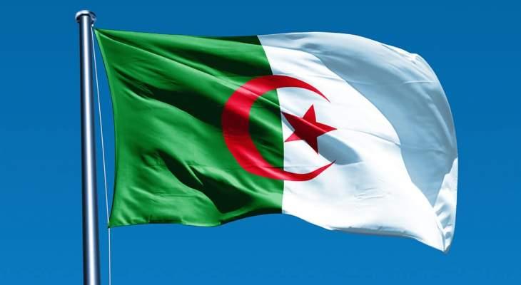 محكمة جزائرية قضت بسجن رئيسي وزراء سابقين لـ15 و12 عاما بتهم الفساد