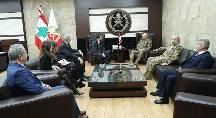 قائد الجيش تداول مع نائب الأمين العام للأمم المتحدة لشؤون الأمن والسلام بأوضاع لبنان والمنطقة
